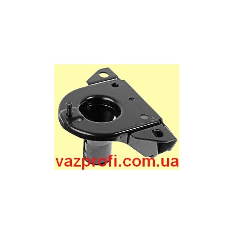 Левый кронштейн передней пружины ВАЗ 2121
